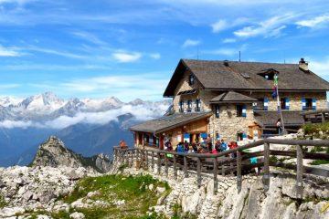 Trekking w Dolomitach Brenta. Rifugio Tucket