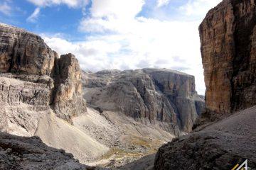 Trekking w Dolomitach. Grupa Sella